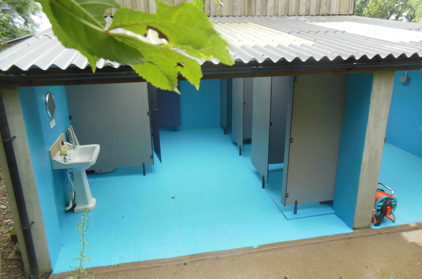 Toilets and Showers at the campsite